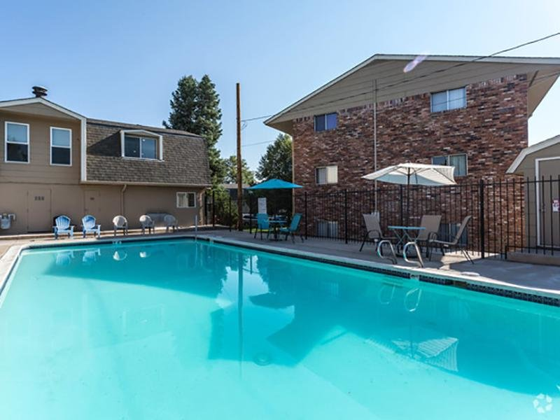 Swimming Pool | Franklin Flats in Greenly, CO
