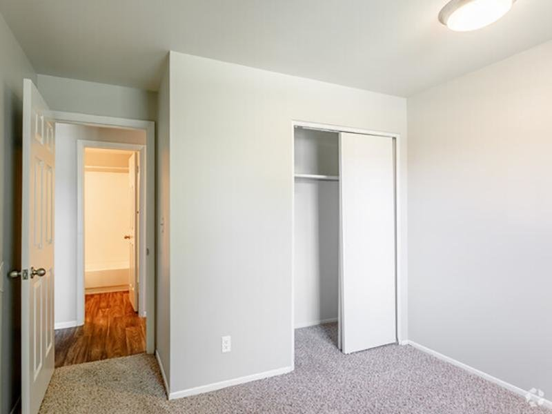 Closet Space | Franklin Flats