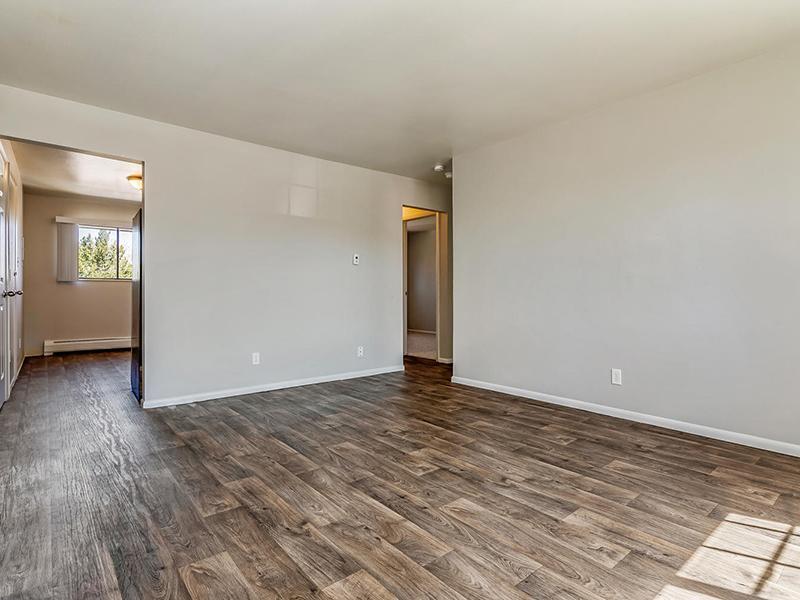 Hardwood Floors  | Bridge Square Apartments