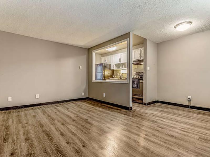 Living Room | Bridge Square Apartments