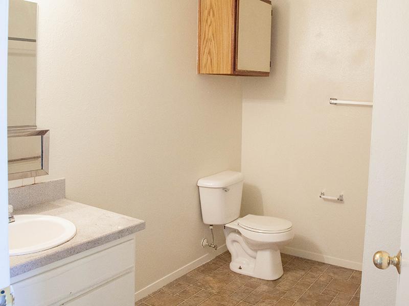 Bathroom | Parkway Commons in UT