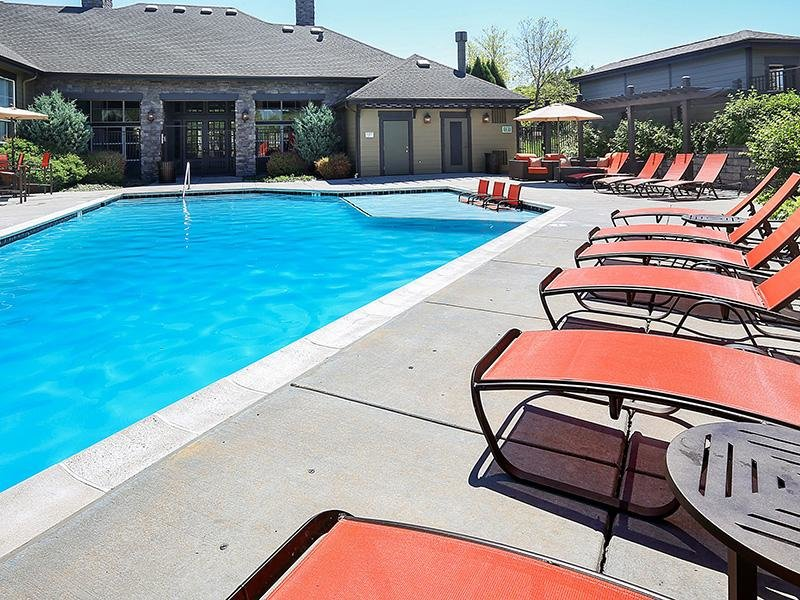 Swimming Pool | Elevate at Red Rocks 80228 Apartments