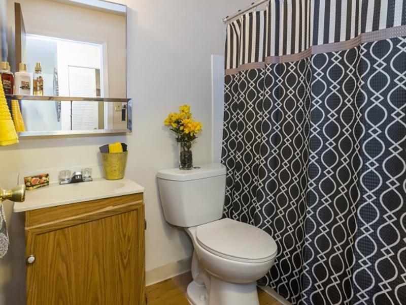 Bathroom | Summer Grove