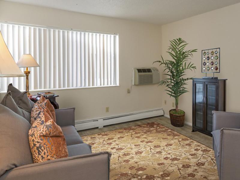 Living Room | Summer Grove