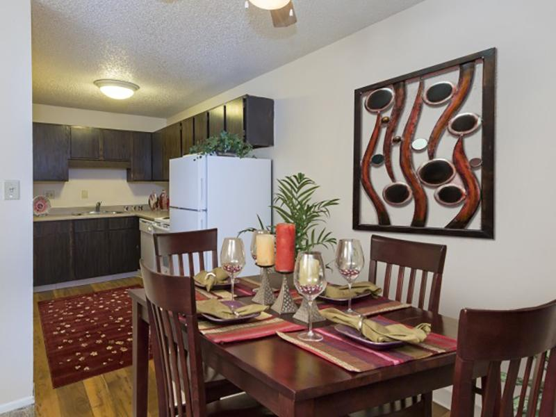 Dining Room | Summer Grove