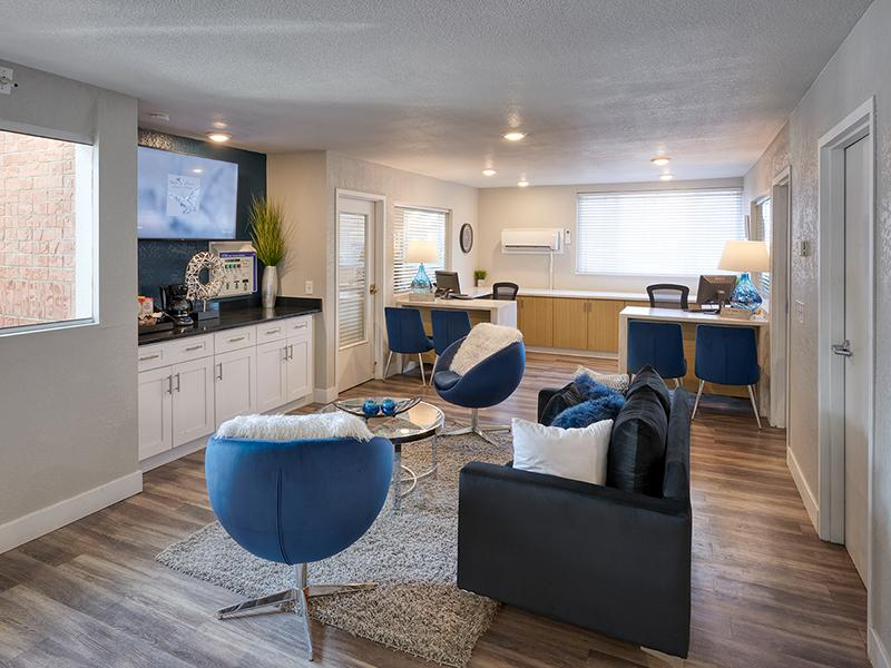 Apartment Clubhouse Overview | Park at Palmer in Colorado Springs