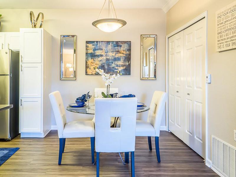 Dining Room   Regatta Apartments
