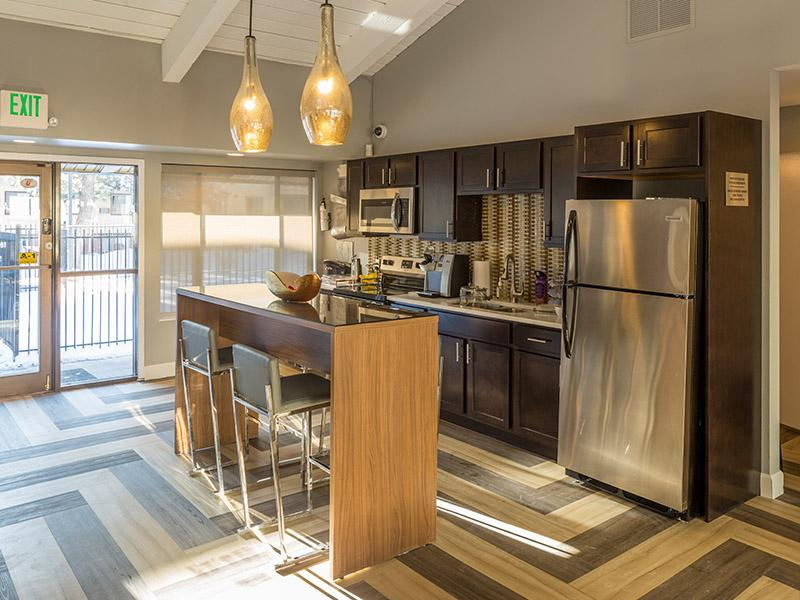 Clubhouse Kitchen | Timber Lodge Apartments