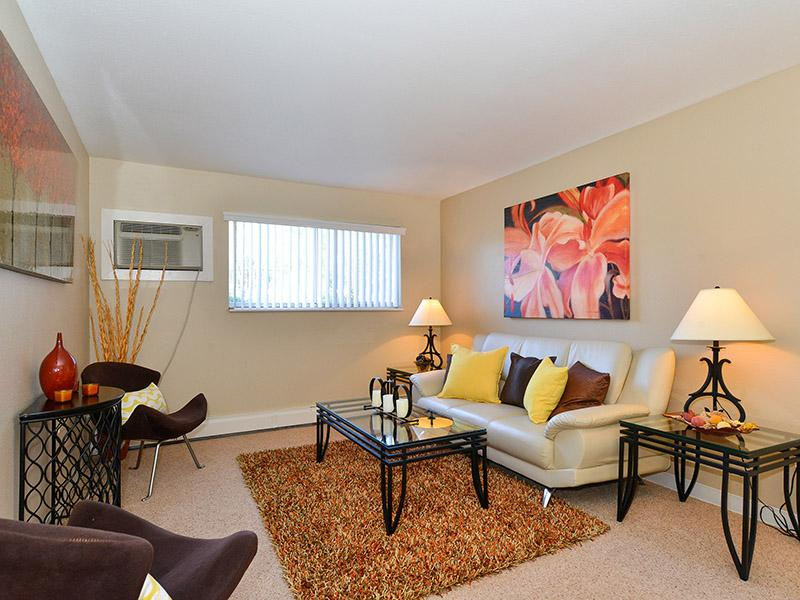 Open Living Room  | Timber Lodge Apartments
