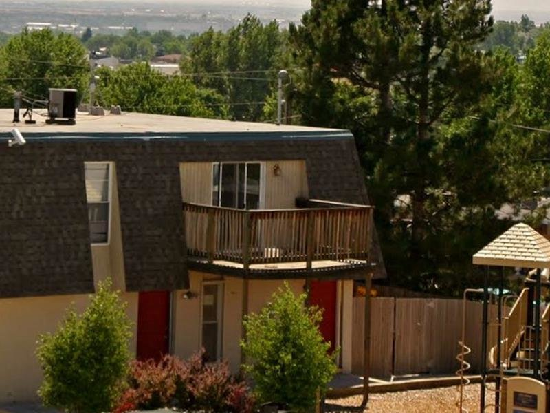 Building Exterior | Parkview Terrace Apartments in Thornton, CO
