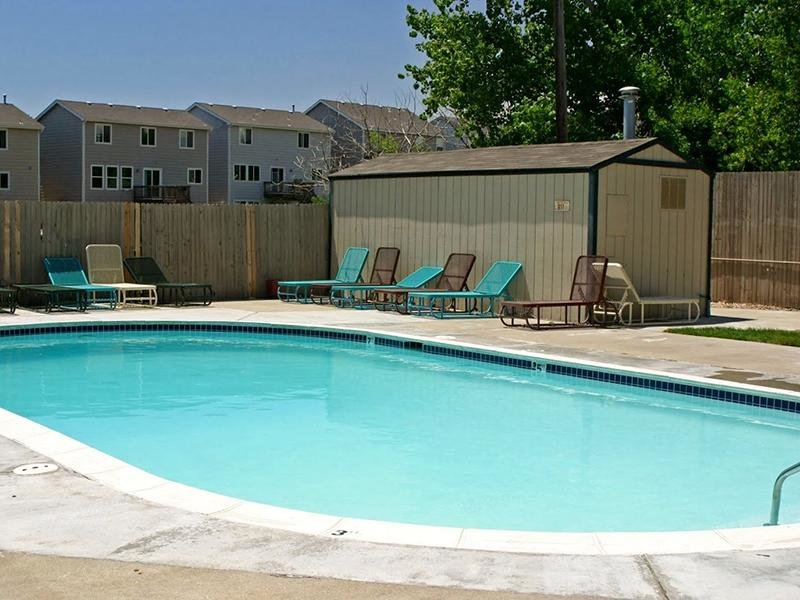Swimming Pool | Parkview Terrace Apartments in Thornton, CO
