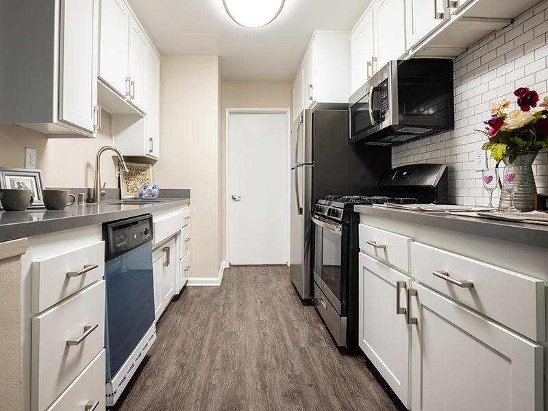 Kitchen | The Villas at Anaheim Apartments