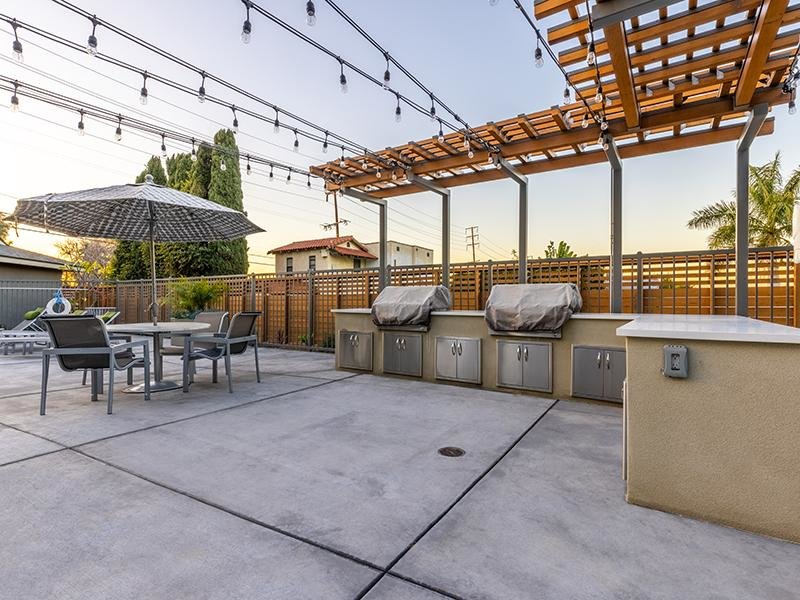 BBQ Areas | The Villas at Anaheim Apartments