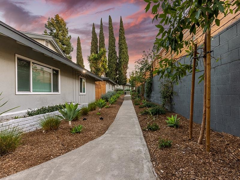 Walking Paths | The Villas at Anaheim Apartments