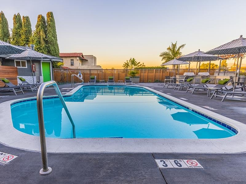 Swimming Pool | The Villas at Anaheim Apartments