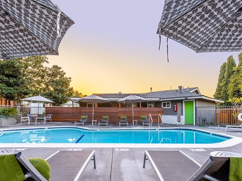 Pool | The Villas at Anaheim Apartments