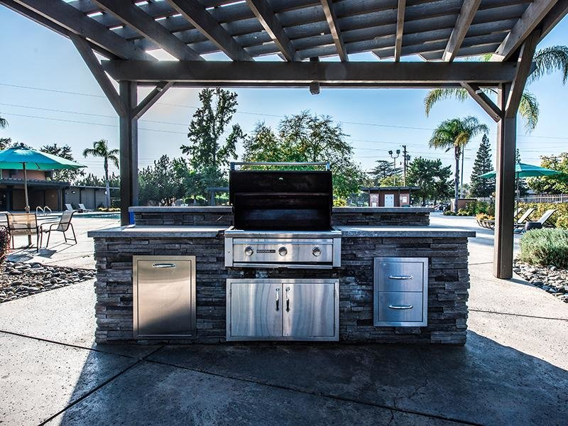 BBQ Grills | The Eleven Hundred Apartments in Sacramento CA
