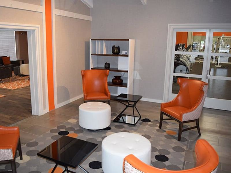 Community Office Lounge | The Eleven Hundred Apartments in Sacramento CA