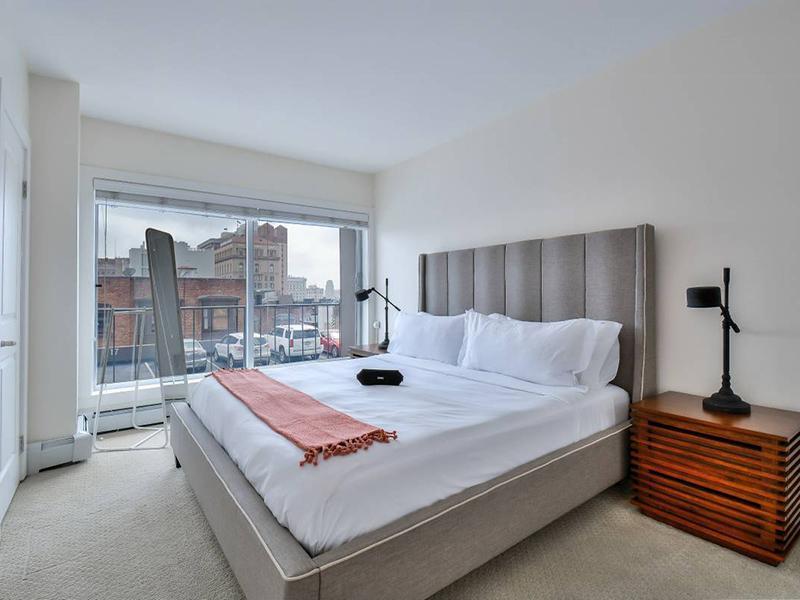 Bedroom | The Pinnacle at Nob Hill Apartments