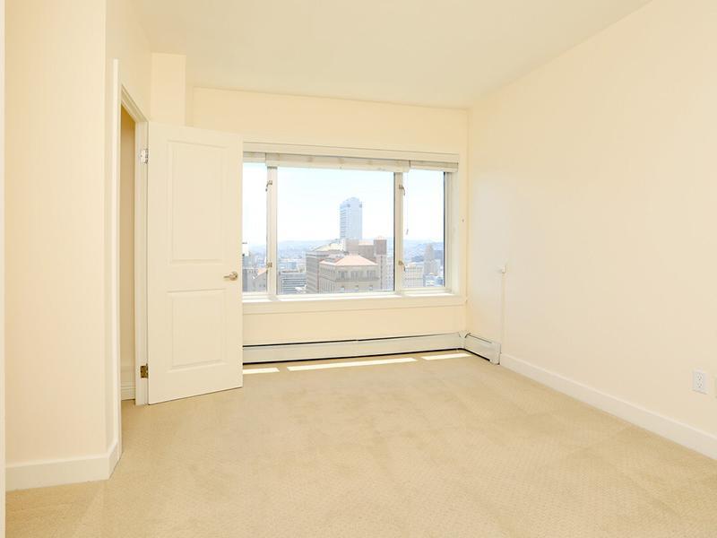Room | The Pinnacle at Nob Hill Apartments
