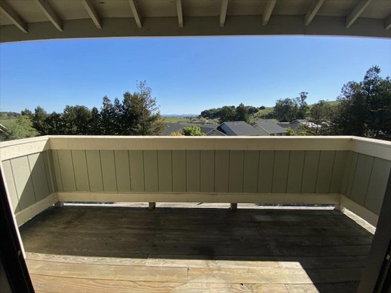 Balcony | McInnis Park