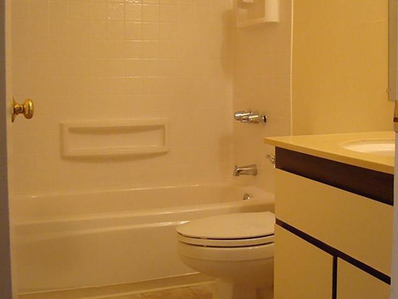 Bathroom | Park Hill