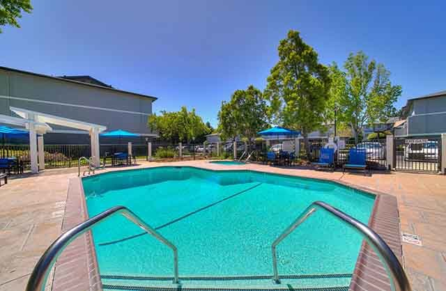 Parkside Commons Apartments in San Leandro, CA