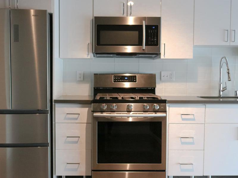 Stainless Steel Appliances | Glasdore Lofts