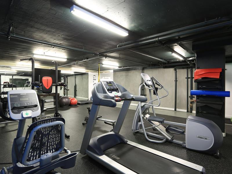 Gym | Glasdore Lofts Apartments