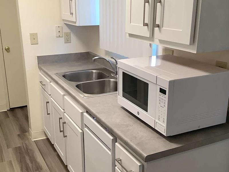 Kitchen Countertops   Parkside Villa Apartments in Fairfield, CA