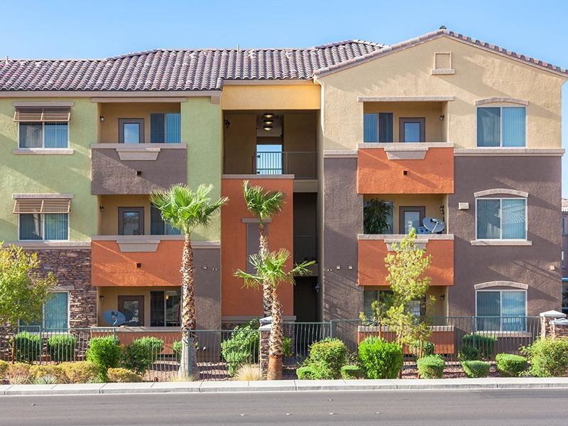 Exterior Buliding | Cornerstone Park Henderson Apartments