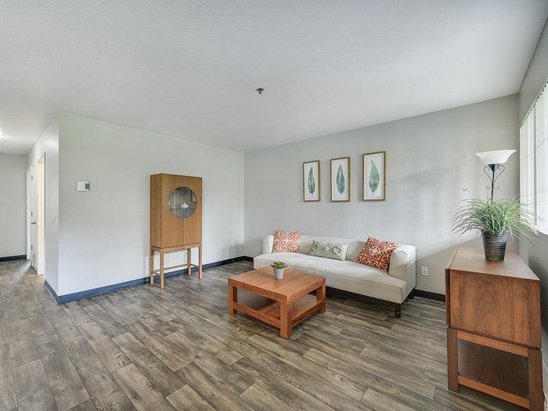 Living Room | Bridge Creek Apartments