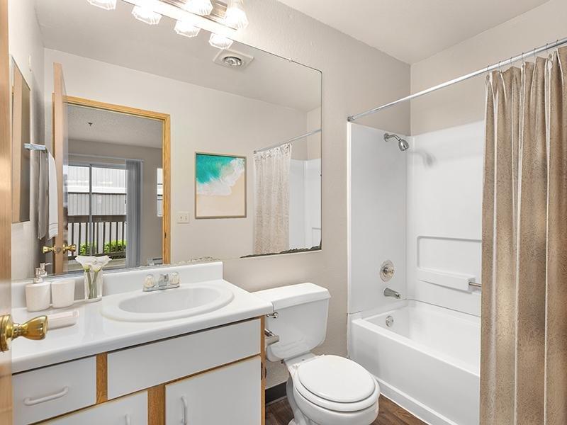 Bathroom | Bridge Creek Apartments | 3x2