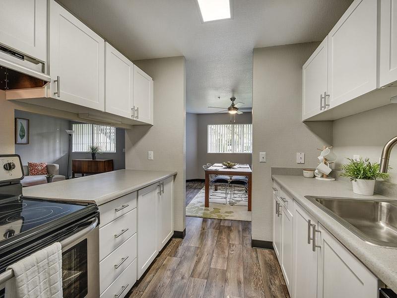 Kitchen | Bridge Creek Apartments
