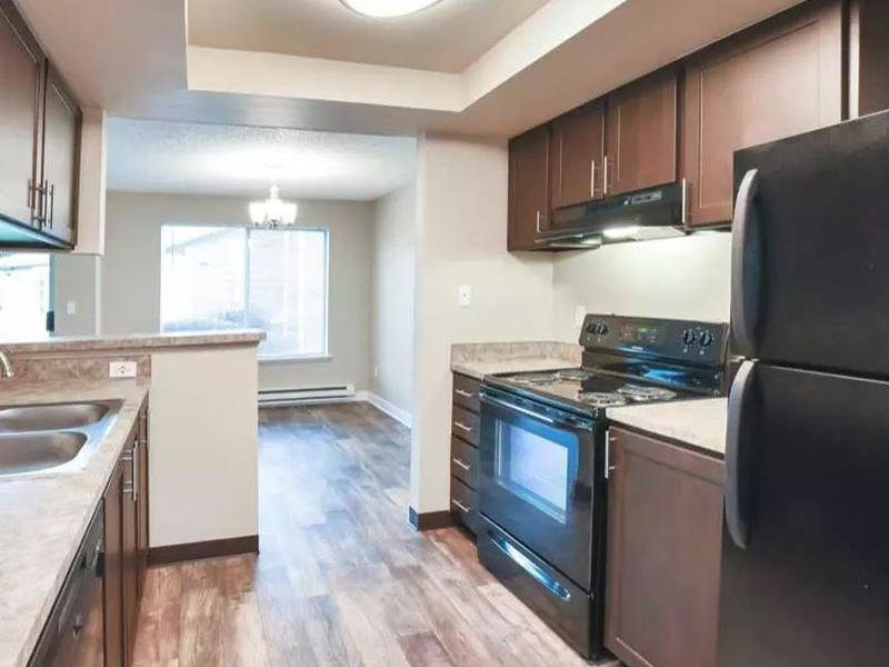 Fully Equipped Kitchen  | Pointe East Apartments
