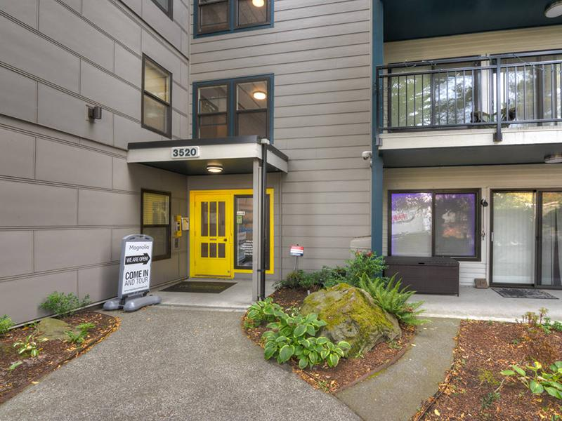 Entrance | Magnolia Apartments