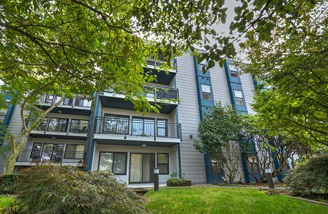 Magnolia Apartments in Seattle, WA