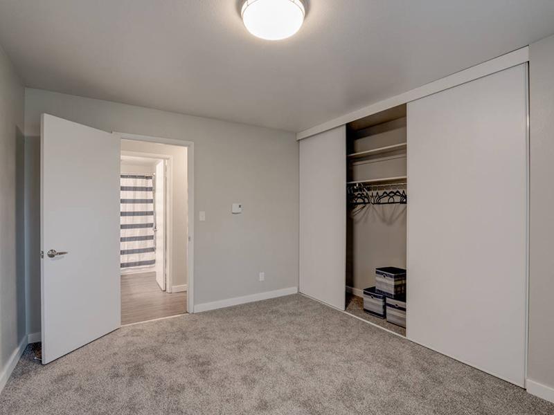Room | Magnolia Apartments