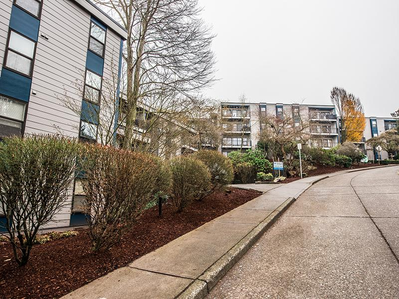 Exterior | The Magnolia Apartments in Seattle