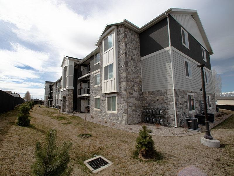Building | Mountain Valley Meadows