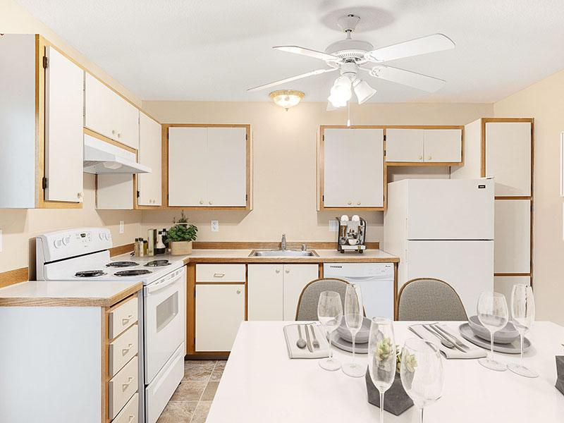 Fully Equipped Kitchen | Van Plaza Apartments in Vancouver, WA