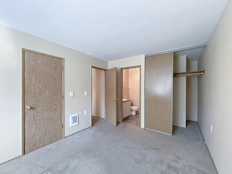 Bedroom | Van Plaza