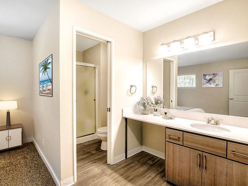 Model Bathroom | Creekside Village