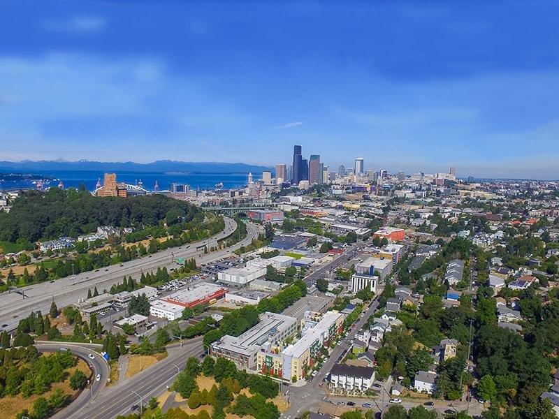 Aerial View   999 Hiawatha