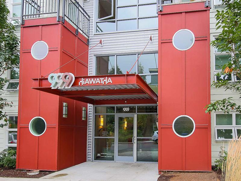 Property Entrance   999 Hiawatha