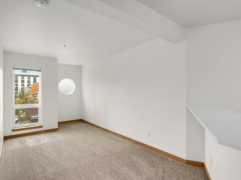 Living Room   999 Hiawatha