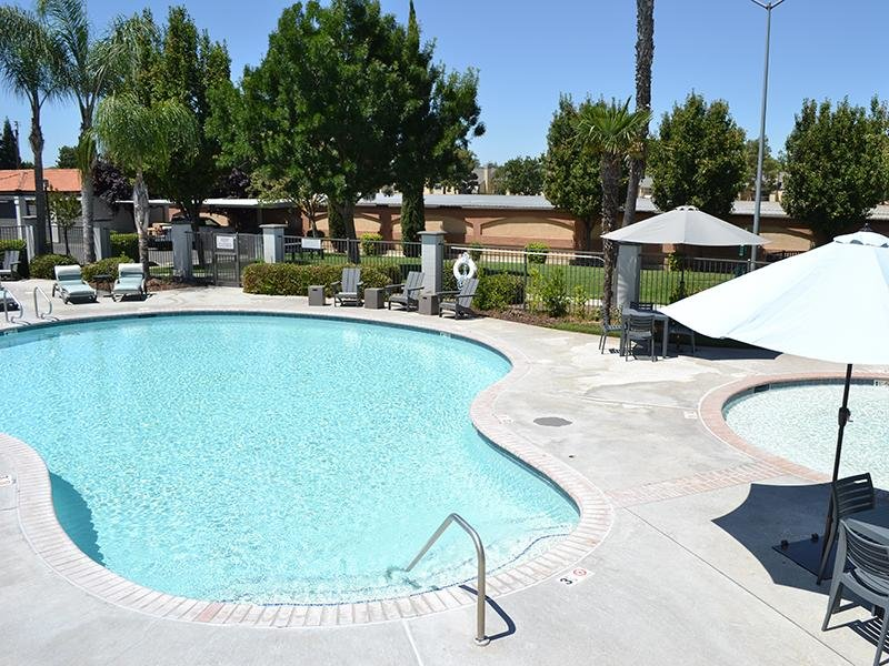 Pool | Ascent Townhome Apartments