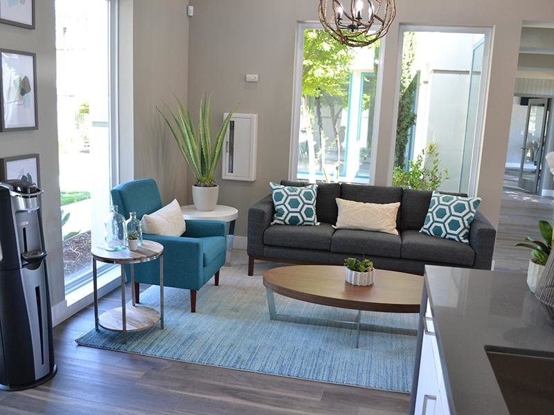 Lounge | Ascent Townhomes in Fresno, CA