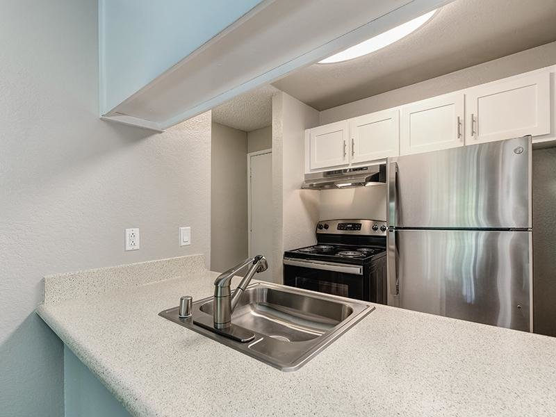 Kitchen | The Crossing at Wyndham Apartments