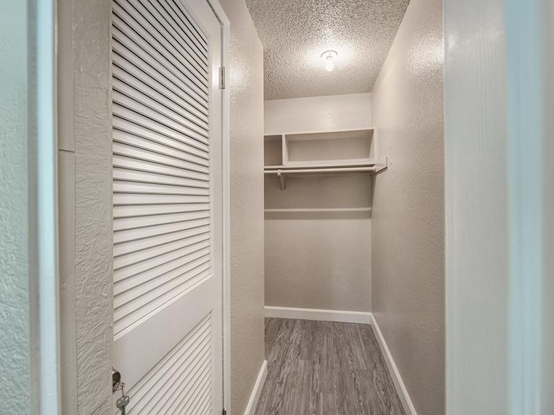 Walk In Closet | The Crossing at Wyndham